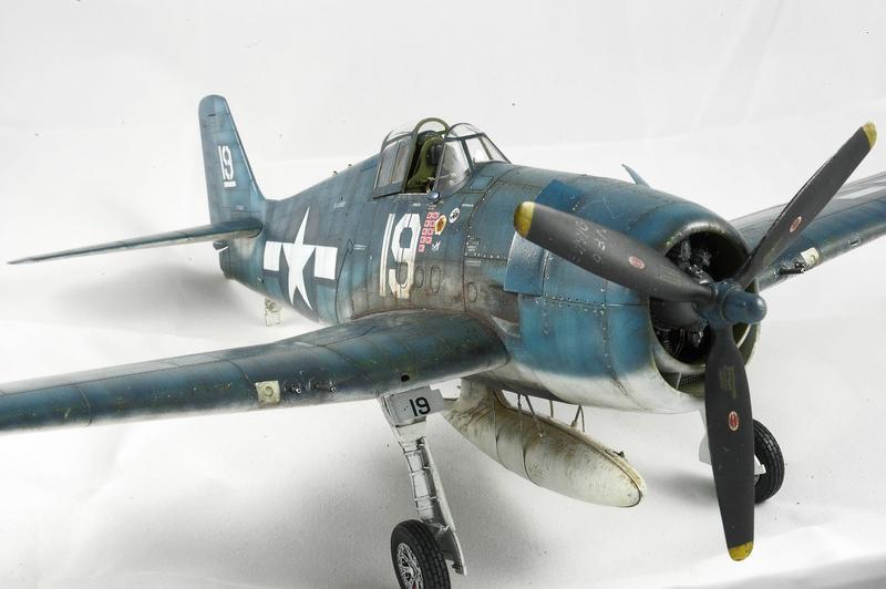 Hellcat F6F-3 Alex Vraciu - Eduard 1/48 DSC_2318_Dx_O