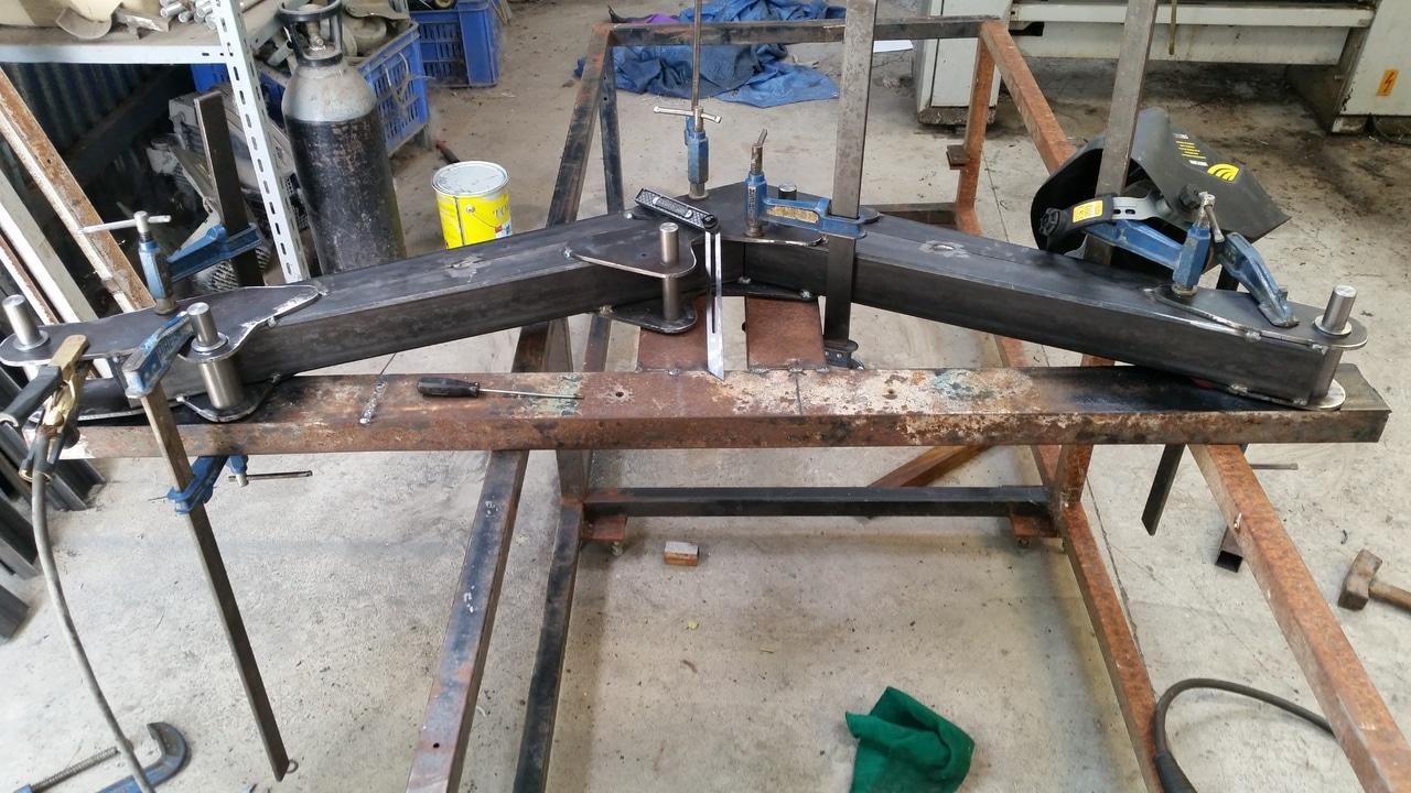 Proyecto de construccion de una pala para un mini tractor 113