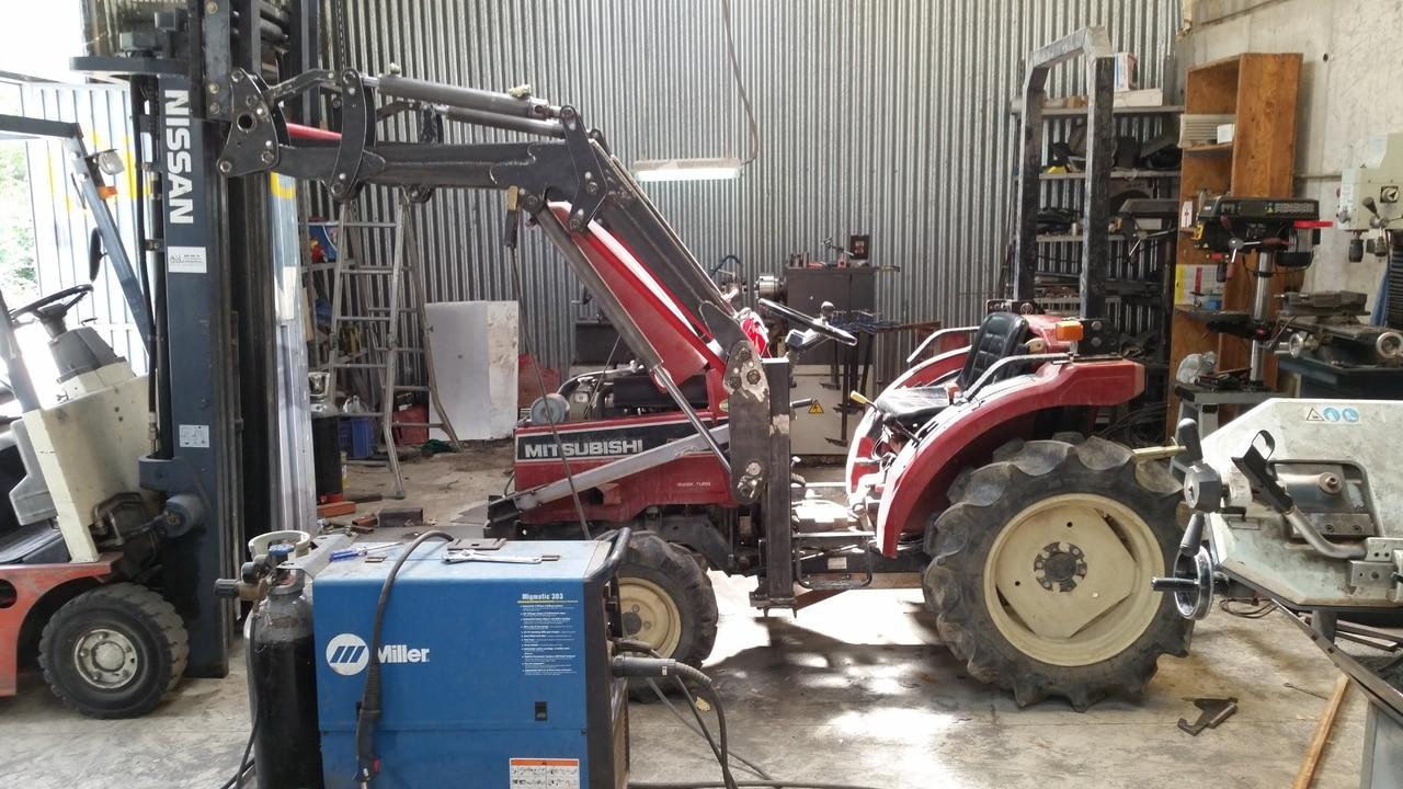 Proyecto de construccion de una pala para un mini tractor 129