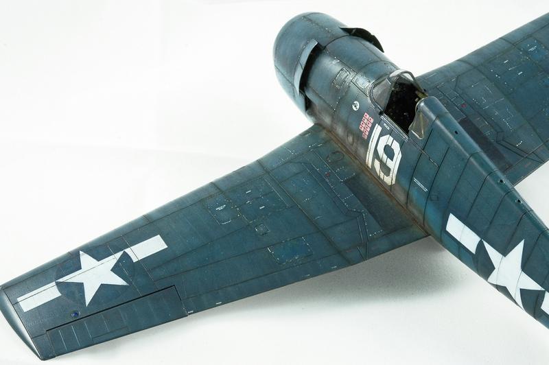 Hellcat F6F-3 Alex Vraciu - Eduard 1/48 DSC_2227_Dx_O
