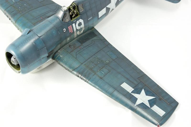 Hellcat F6F-3 Alex Vraciu - Eduard 1/48 DSC_2220_Dx_O