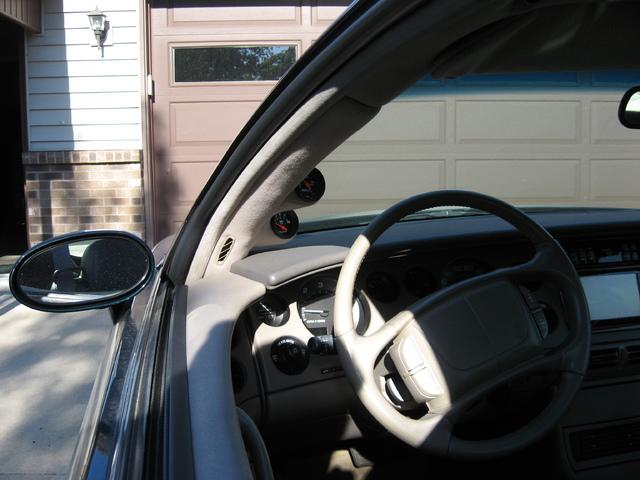 My 98 Buick Riviera - Page 2 IMG_2083