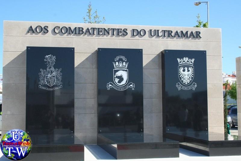 MONTIJO: As imagens da inauguração do Monumento de Homenagem aos Combatentes do Ultramar - 25Abr2016 02_20160425_6