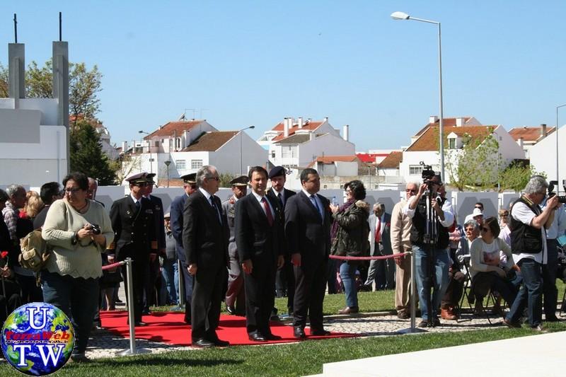 MONTIJO: As imagens da inauguração do Monumento de Homenagem aos Combatentes do Ultramar - 25Abr2016 20160425_11
