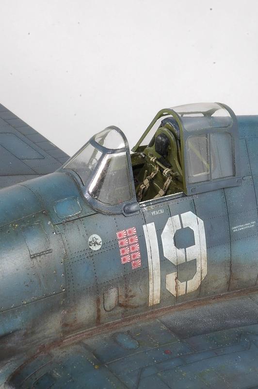 Hellcat F6F-3 Alex Vraciu - Eduard 1/48 DSC_2325_Dx_O