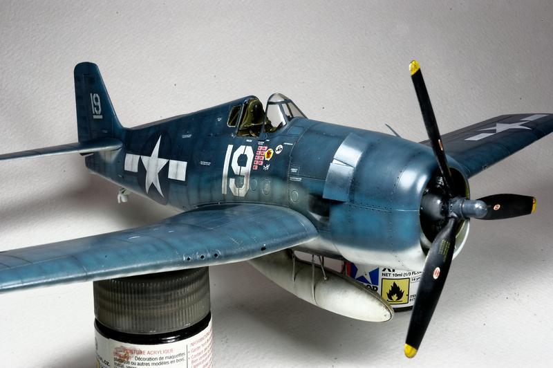 Hellcat F6F-3 Alex Vraciu - Eduard 1/48 DSC_2183_Dx_O
