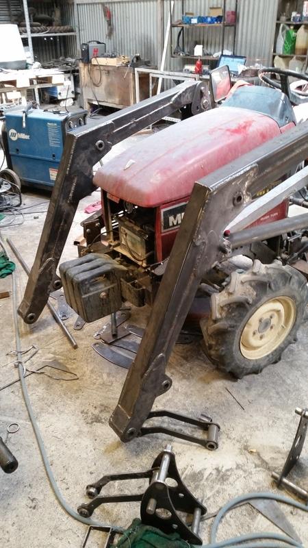 Proyecto de construccion de una pala para un mini tractor 120