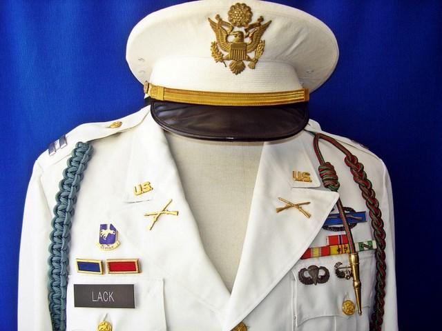 Un peu de ma collection d'uniformes. DSC01760_800x600_640x480
