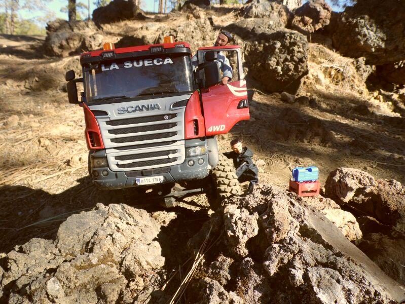 LA SUECA  Scania  trialero con quinta rueda IMG_1496