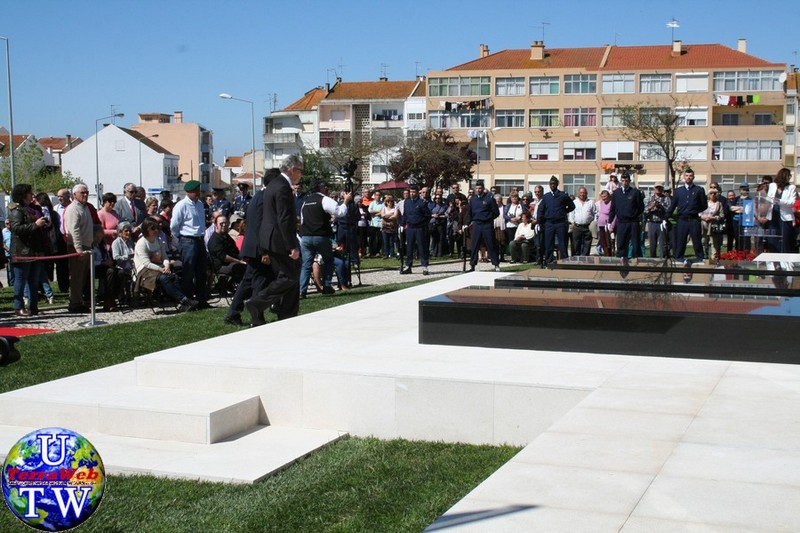 MONTIJO: As imagens da inauguração do Monumento de Homenagem aos Combatentes do Ultramar - 25Abr2016 20160425_18