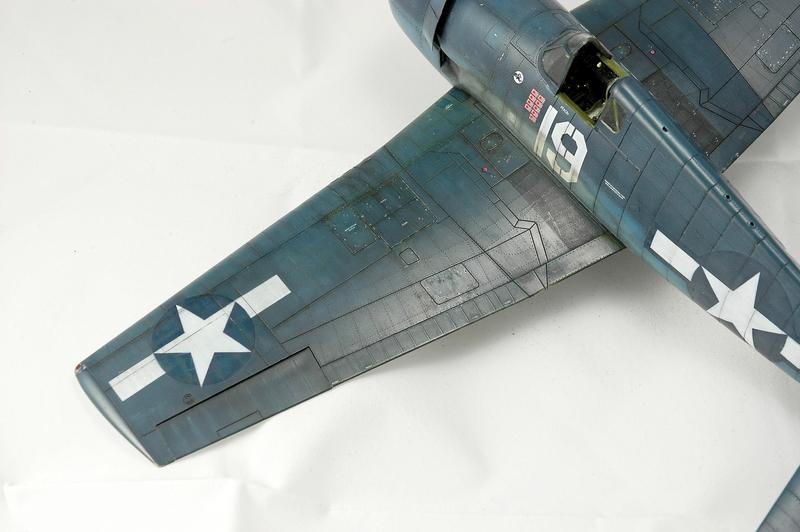 Hellcat F6F-3 Alex Vraciu - Eduard 1/48 DSC_2218_Dx_O