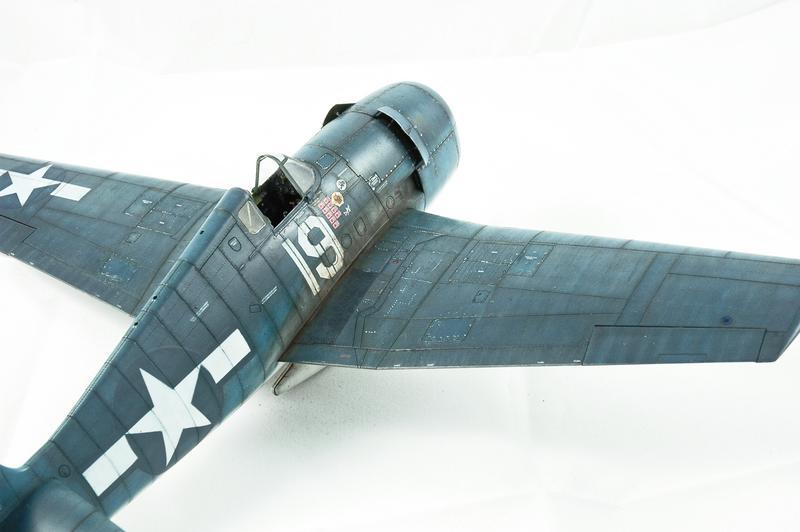 Hellcat F6F-3 Alex Vraciu - Eduard 1/48 DSC_2226_Dx_O
