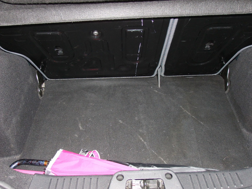 Gerva90 vs. Ford Fiesta 2010 25
