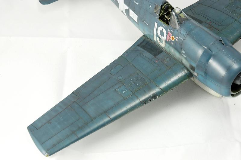 Hellcat F6F-3 Alex Vraciu - Eduard 1/48 DSC_2221_Dx_O