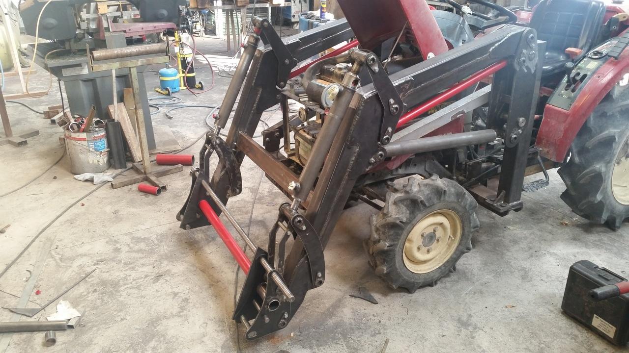 Proyecto de construccion de una pala para un mini tractor 125