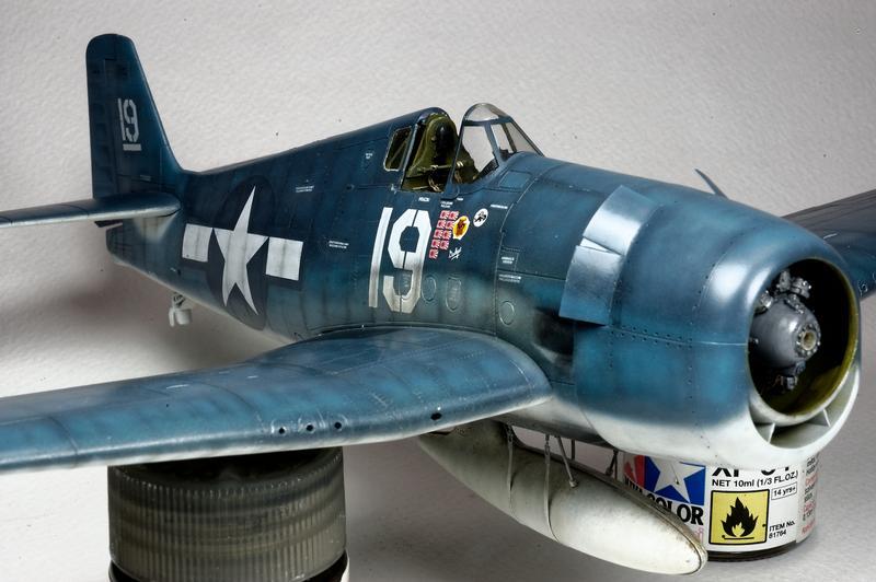 Hellcat F6F-3 Alex Vraciu - Eduard 1/48 DSC_2182_Dx_O