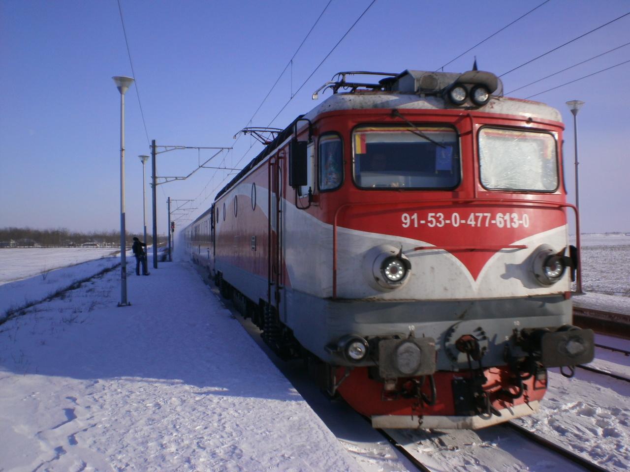 Locomotive clasa 47(476/477) aparţinând CFR Călători  P1011122