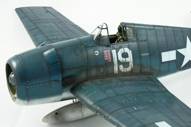 Hellcat F6F-3 Alex Vraciu - Eduard 1/48 DSC_2223_Dx_O