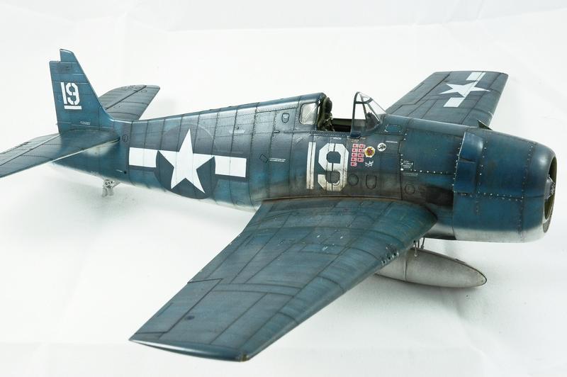 Hellcat F6F-3 Alex Vraciu - Eduard 1/48 DSC_2225_Dx_O