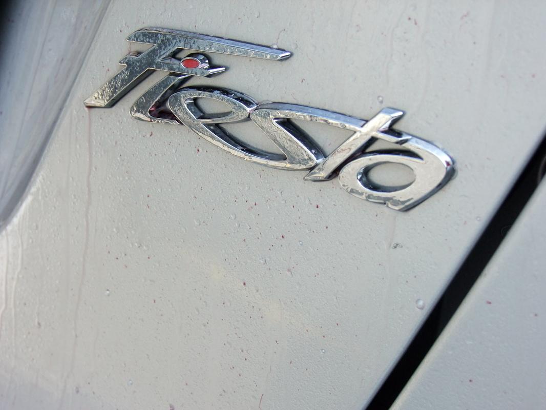 Gerva90 vs. Ford Fiesta 2010 7