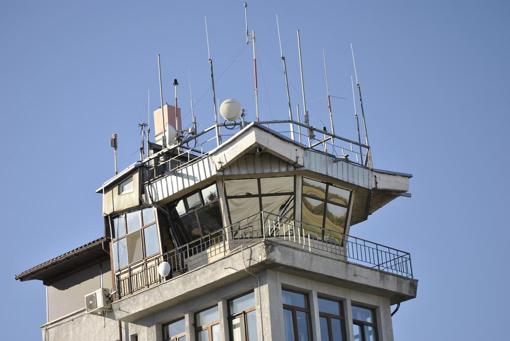 AEROPORTUL SUCEAVA (STEFAN CEL MARE) - Lucrari de modernizare - Pagina 5 DSC6500