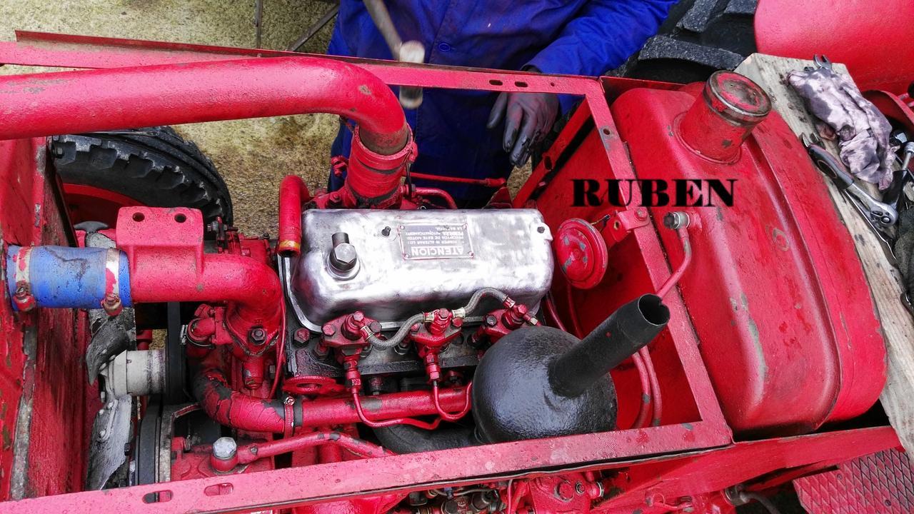 [Hanomag Barreiros R-335S] Presentación y restauración de mi tractor - Página 2 IMG_20180218_124614
