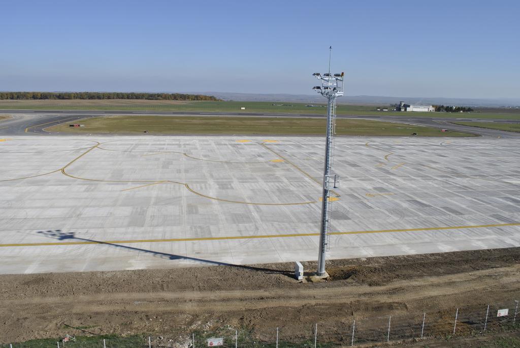 AEROPORTUL SUCEAVA (STEFAN CEL MARE) - Lucrari de modernizare - Pagina 5 DSC6350