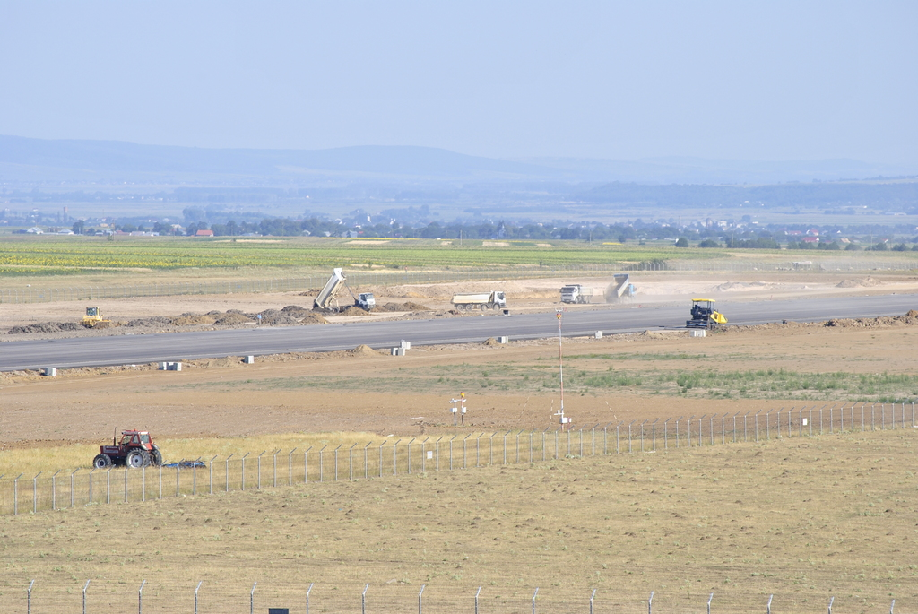 AEROPORTUL SUCEAVA (STEFAN CEL MARE) - Lucrari de modernizare - Pagina 4 DSC5425