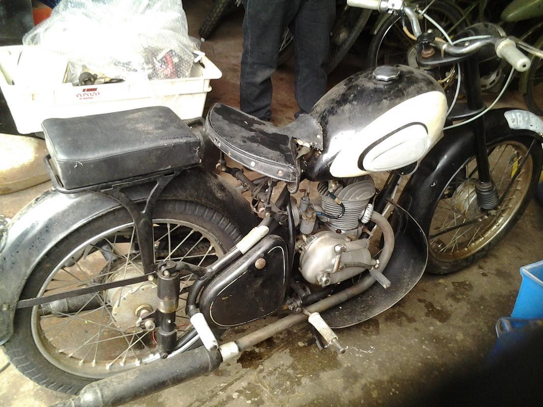 Mis motos clasicas 20130217_114848