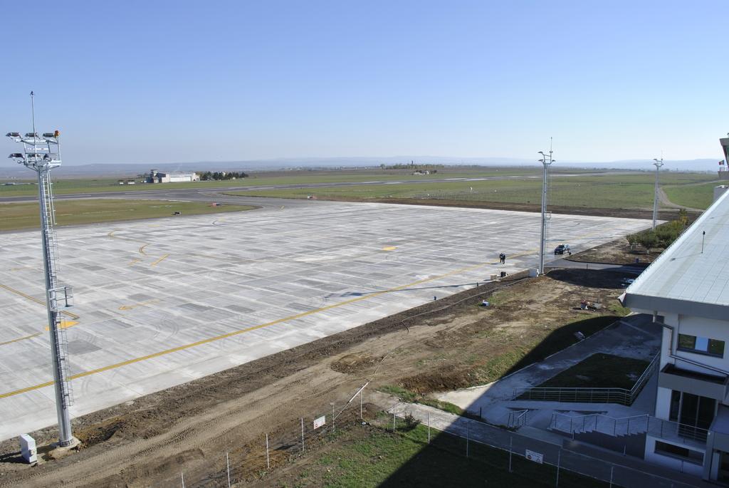 AEROPORTUL SUCEAVA (STEFAN CEL MARE) - Lucrari de modernizare - Pagina 5 DSC6349