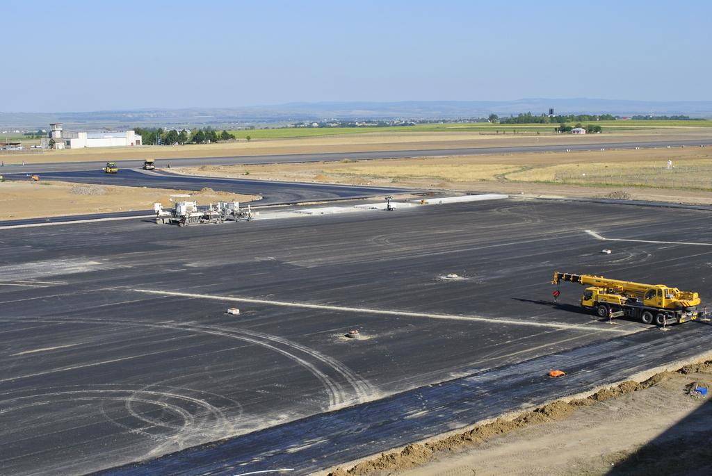 AEROPORTUL SUCEAVA (STEFAN CEL MARE) - Lucrari de modernizare - Pagina 4 DSC5419