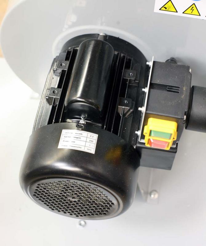 Aspirateur double sacs Holtzmann ABS3880 IMG_6981c1s