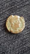 AE4 de Valentiniano I. SECVRITAS - REIPVBLICAE. Victoria avanzado a izq. Ceca Siscia. 20170922_113348