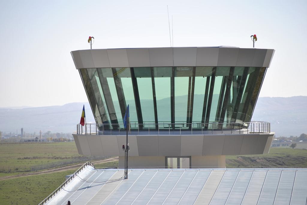 AEROPORTUL SUCEAVA (STEFAN CEL MARE) - Lucrari de modernizare - Pagina 5 DSC6353