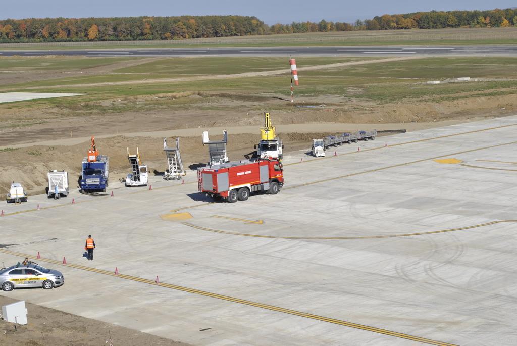 AEROPORTUL SUCEAVA (STEFAN CEL MARE) - Lucrari de modernizare - Pagina 5 DSC6346