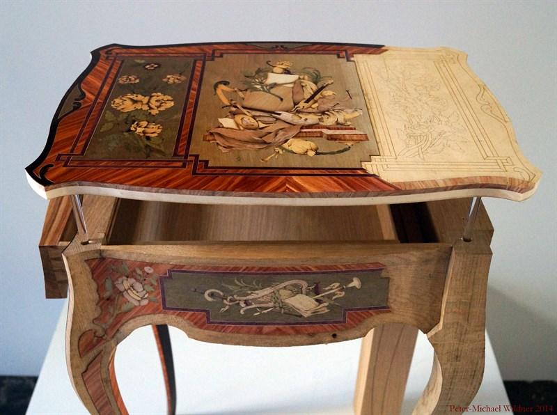 Le 18e aux sources du design, chefs d'oeuvre du mobilier - Page 3 DSC00941