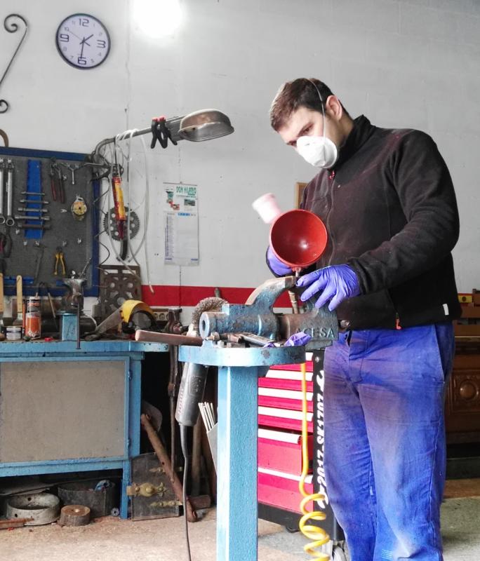 [Hanomag Barreiros R-335S] Presentación y restauración de mi tractor IMG_20180103_141207