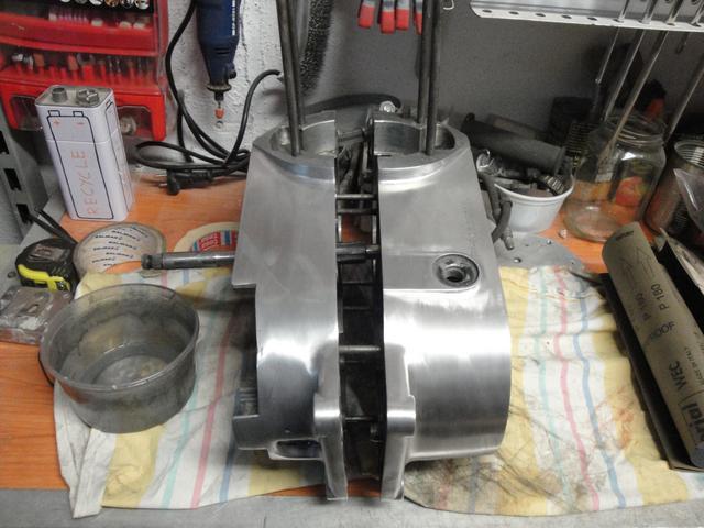 Reconstrucción Bultaco 24 Horas - Página 2 DSC05056