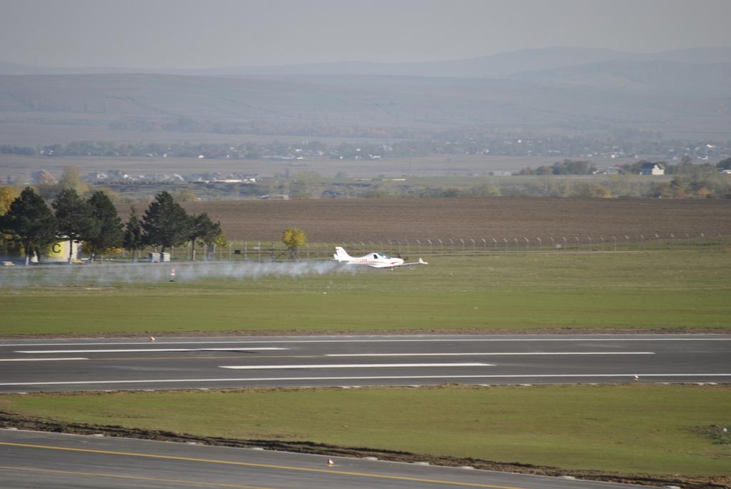 AEROPORTUL SUCEAVA (STEFAN CEL MARE) - Lucrari de modernizare - Pagina 5 DSC6385