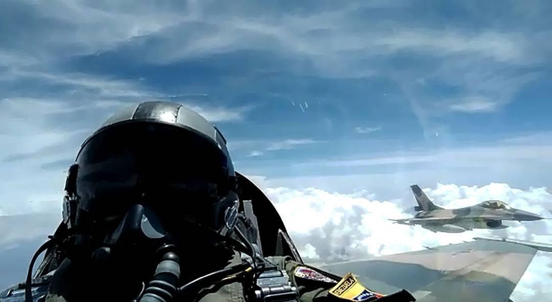 Armed Forces of Venezuela Photos - Page 6 DJd_WLO_WAAAc03i