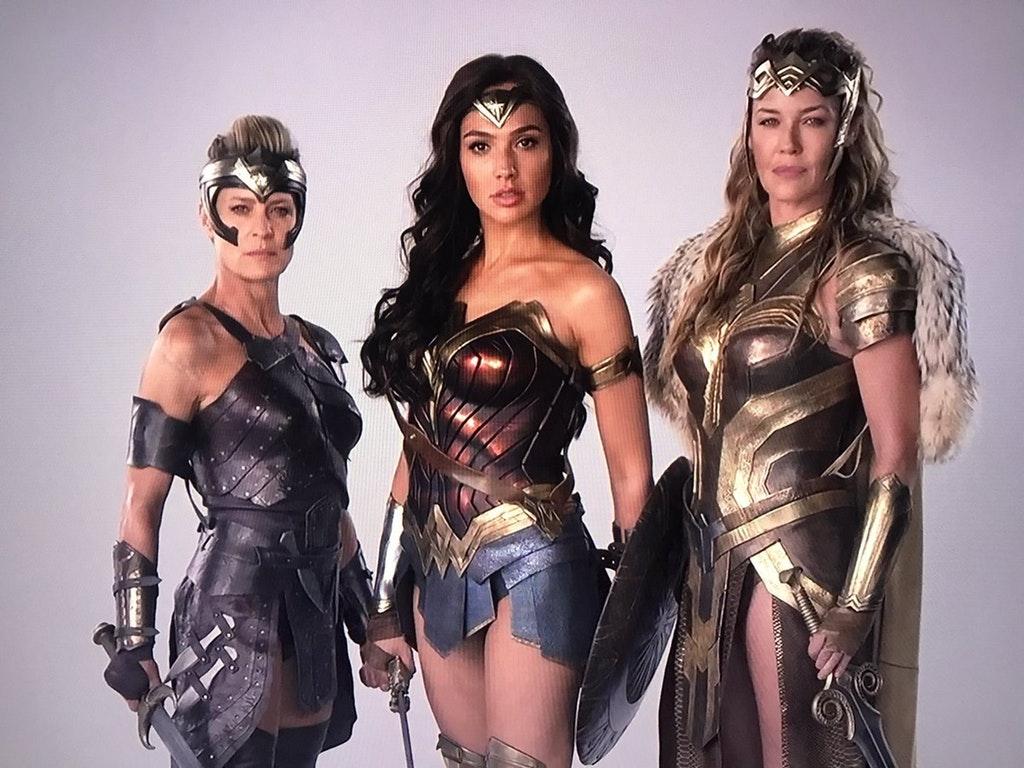 Wonder Woman - Page 4 H_JNbmp4o_IO1rii_G8r_LANi_Ue_Noe_FArz_Cuak5pn_D-d_NI
