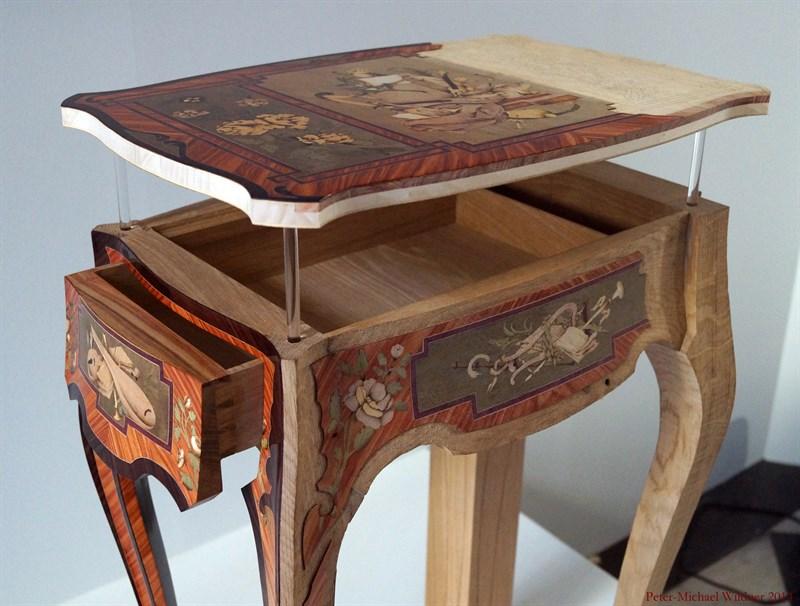 Le 18e aux sources du design, chefs d'oeuvre du mobilier - Page 3 DSC00939