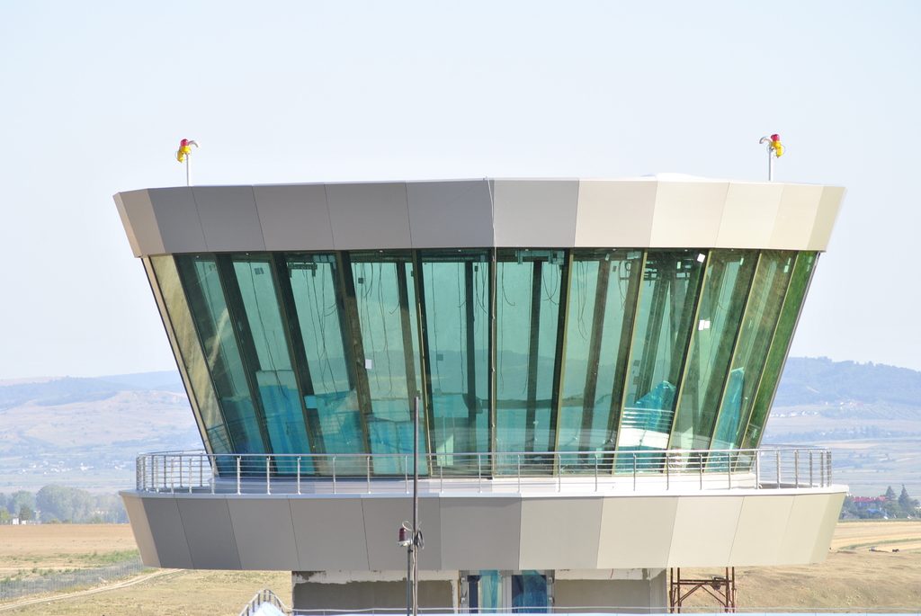 AEROPORTUL SUCEAVA (STEFAN CEL MARE) - Lucrari de modernizare - Pagina 4 DSC5426