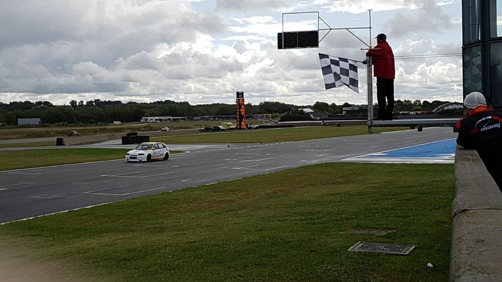 Saison course 2017 de Juju 89: Free Racing club Le Mans Bugatti! - Page 2 21587291_10213702445225740_792875190209240256_o