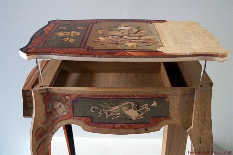 Le 18e aux sources du design, chefs d'oeuvre du mobilier - Page 3 DSC00940