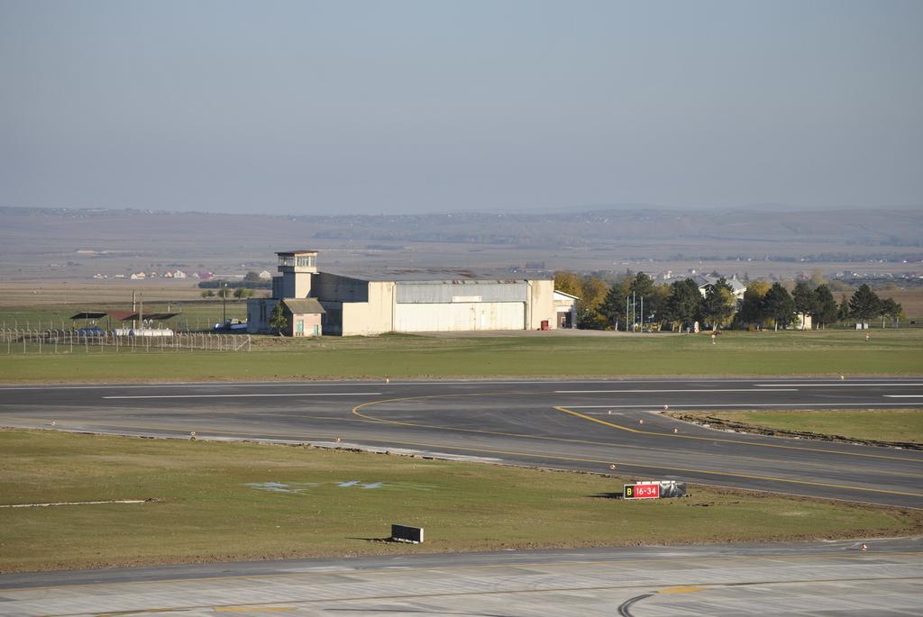 AEROPORTUL SUCEAVA (STEFAN CEL MARE) - Lucrari de modernizare - Pagina 5 DSC6550