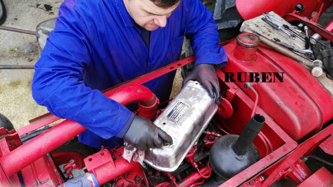 [Hanomag Barreiros R-335S] Presentación y restauración de mi tractor - Página 2 IMG_20180218_124528