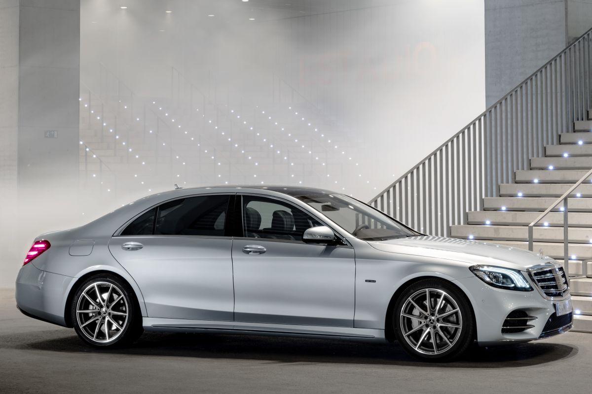 (FRANKFURT) Mercedes-Benz S 560e Mercedes-_Benz-_S560e-5