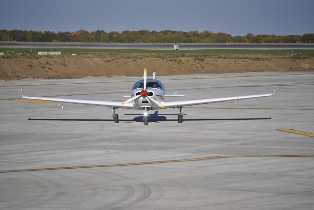 AEROPORTUL SUCEAVA (STEFAN CEL MARE) - Lucrari de modernizare - Pagina 5 DSC6505