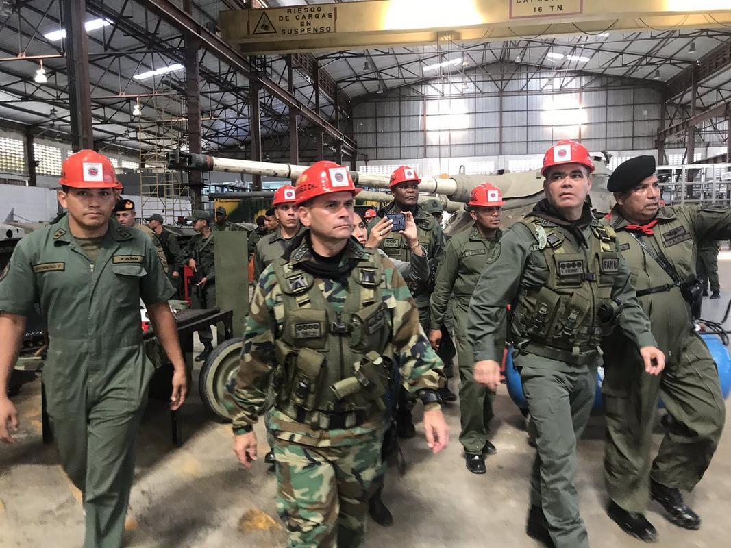 Armed Forces of Venezuela Photos - Page 6 DJO6_IIn_W0_AAFp_W0